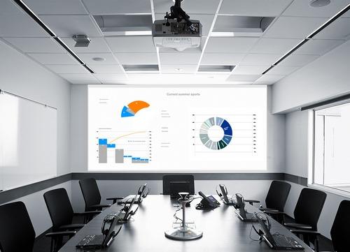 Почему вашему офису нужен проектор