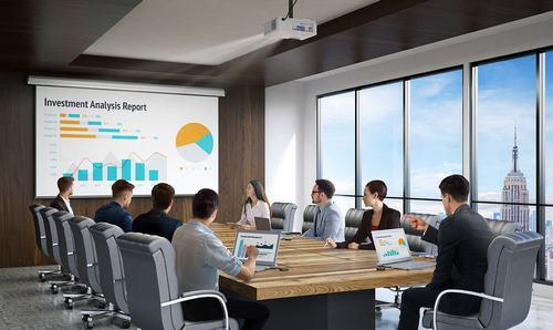 Важным фактором при выборе проектора для деловой информации является яркость проекции