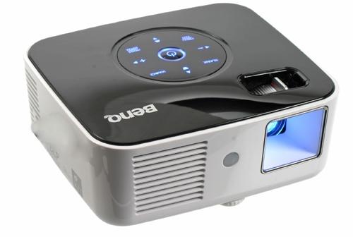 Стоит ли покупать портативный или карманный проектор?